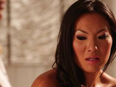 Two lesbian milfs, Asa Akira and Jessica Drake got together