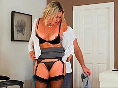 MILF shown proper way to strip & fuck