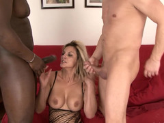 Milf Klarisa Leone double penetrated like a bad girl