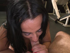 Blowjob in the gym from a spectacular Latina babe