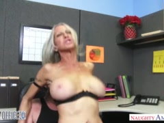 MILF Emma Starr seduces her coworker - Naughty Office - Naughty America