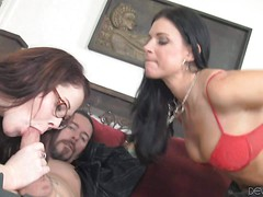 Four-eyed redhead Misti Dawn and experienced brunette MILF India Summer
