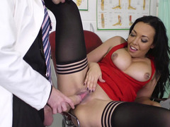 A Latina milf is getting her pussy rammed by her doctor