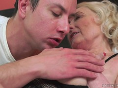 Blonde granny Sila spreads and gets licked