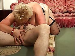 Blonde Shorthair BBW Granny having fun with mature guy in doggy style