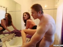 Jade Nile And Savanah Sage Anniversary Threesome