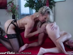 Sweetheart Brandi Love Learns how Shyla Kisses