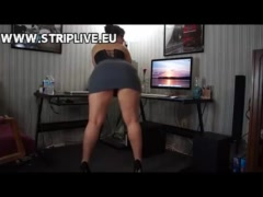 Sexy Milf showing big ass and tits webcam WWW.STRIPLIVE.EU
